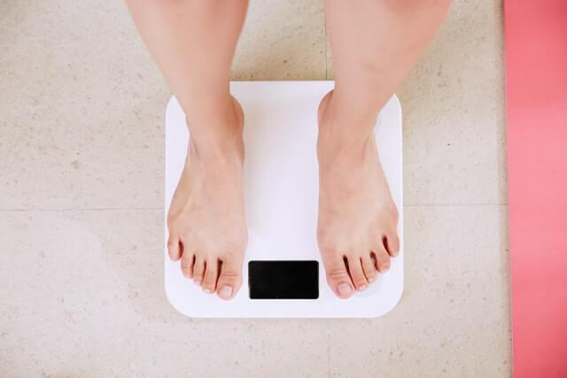 Hoe kun je gewicht verliezen in corona tijden